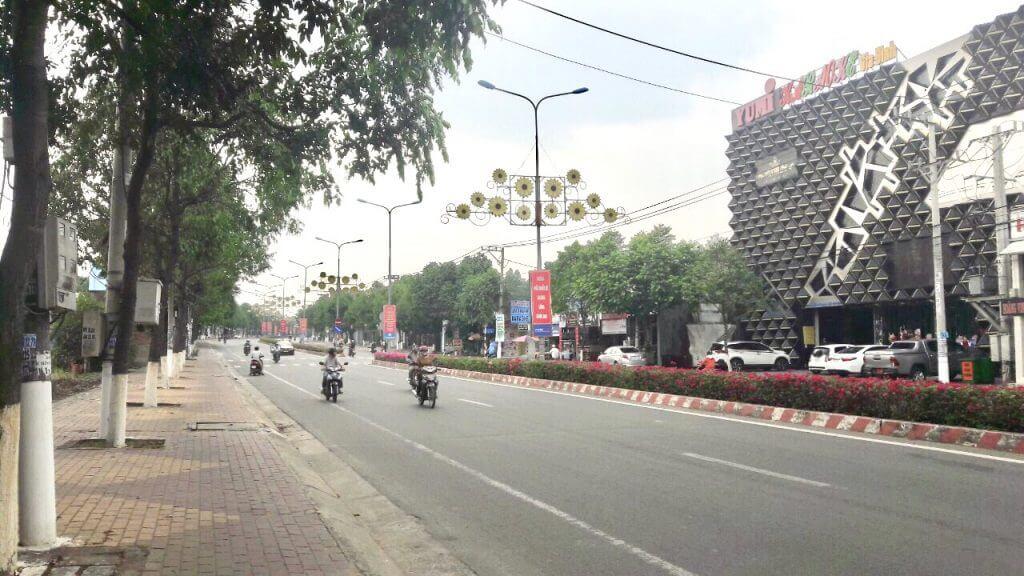 Đường Nguyễn Chí Thanh, TP Thủ Dầu Một.