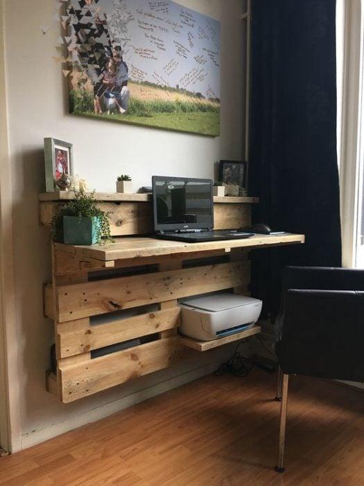 Thiết kế bàn để máy tình từ các tấm gỗ