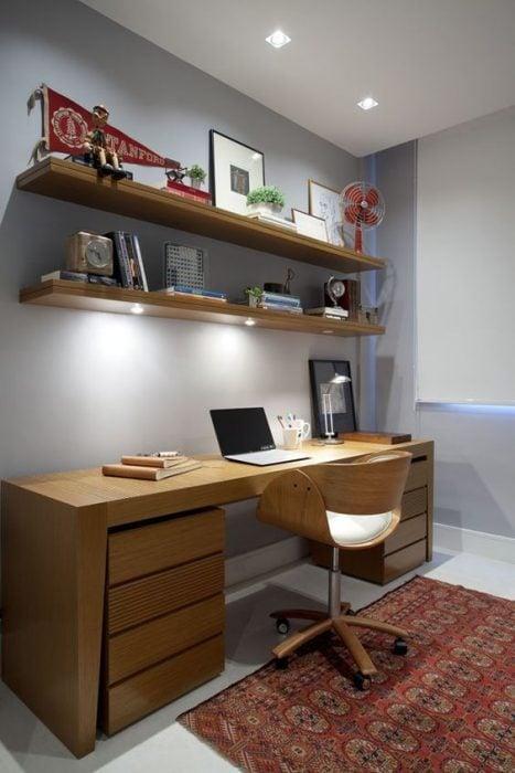 Thiết kế bàn để máy tính bằng gỗ trang nhã