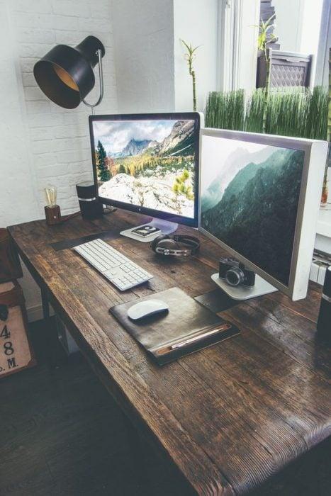 Thiết kế bàn để máy tính hiện đại cá tính