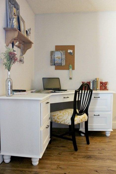 Thiết kế bàn để máy tính nhiều ngăn kéo lớn