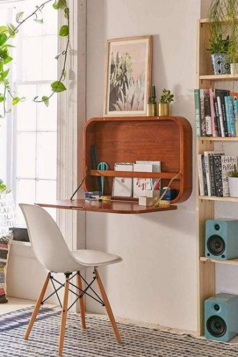 Thiết kế bàn để máy tính nhỏ treo tường có thể gập lại
