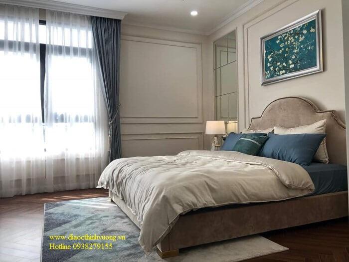 Phòng ngủ được thiết kế có cửa sổ rộng, thoáng.