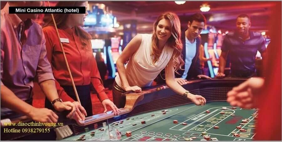 Casino bên trong The Maris