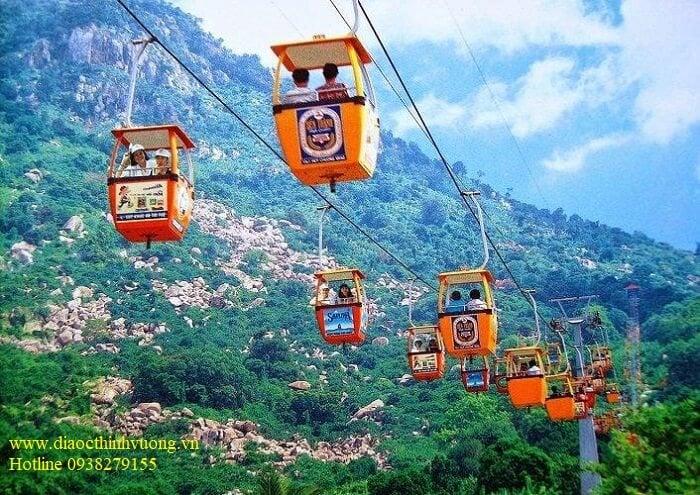 Cáp treo phục vụ du lịch Núi Bà