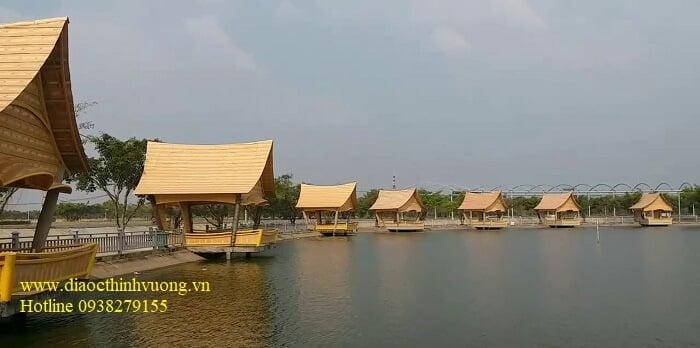 Cận cảnh hồ Lục Bảo