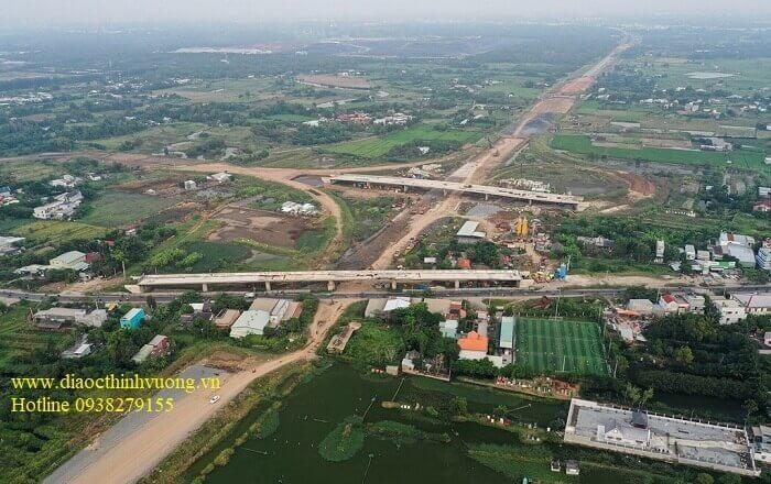 Nút giao với quốc lộ 50 vẫn chưa thể hoàn thành do còn 20 hộ dân.