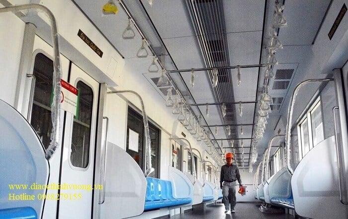 Hình ảnh bên trong của tàu Metro ở Việt Nam