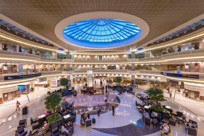 Dallas-Fort Worth là sân bay rộng thứ 2 của Mỹ và rộng thứ 4 trên toàn thế giới