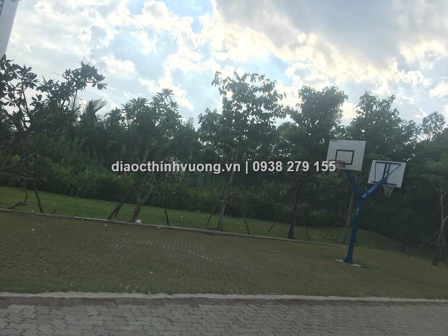 Khu chơi bóng rổ ngay dự án