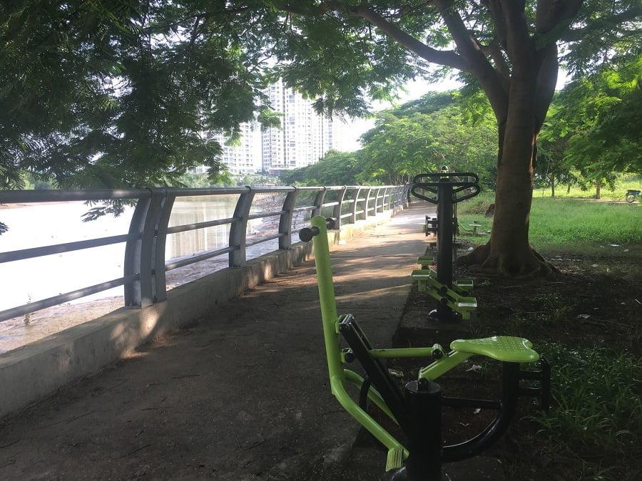 Khu công viên ven sông cách dự án 100m