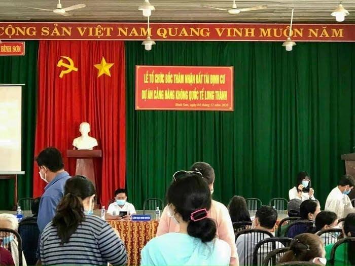 Lễ bốc thăm nhận đất tại khu tái định cư Bình Sơn - Lộc An