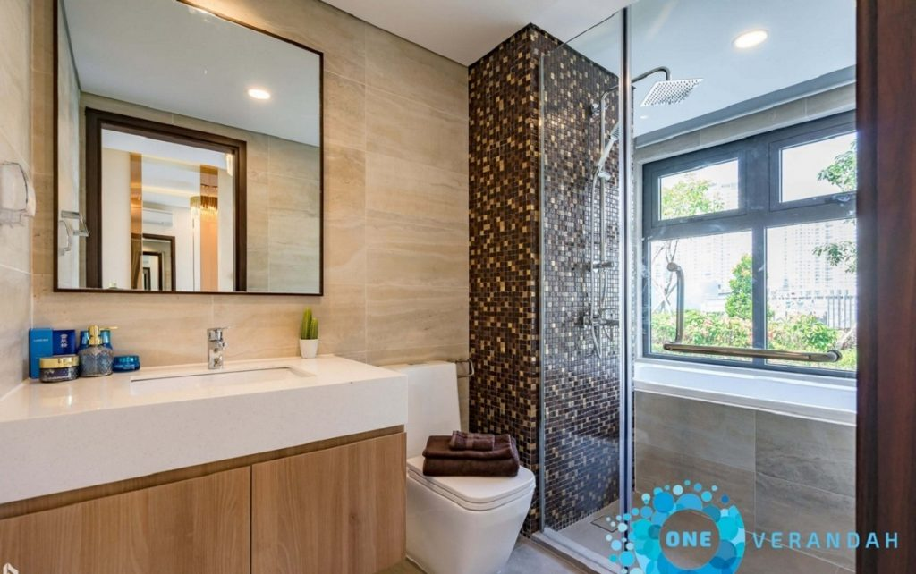 Khu nhà WC của căn 3PN có bồn tắm nằm sang trọng