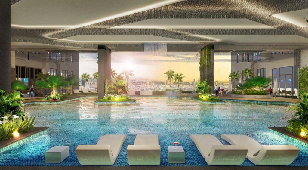 Hồ bơi nằm tại tầng 4