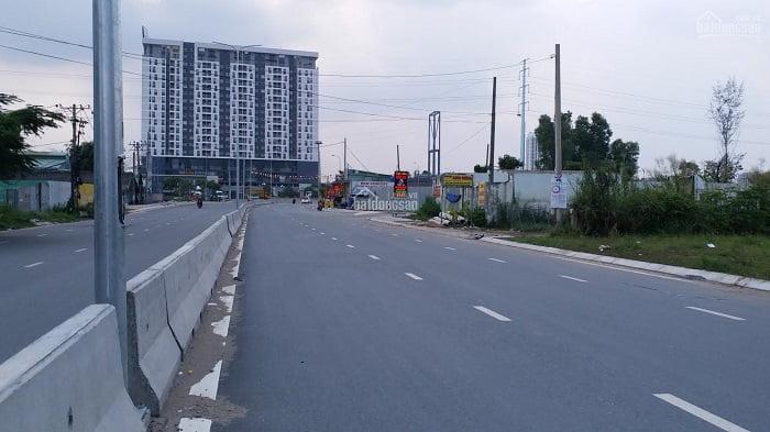Đường Liên Phường đoạn gần nút giao với đường Vành Đai 2