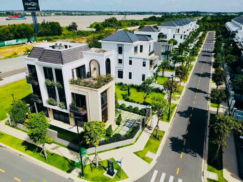 Tiến độ xây dựng Aqua City mới nhất tháng 8/2021